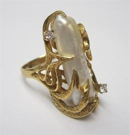 14k fresh water pearl ring with diamonds