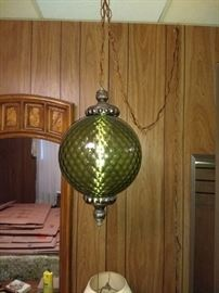 Love that vintage green glass hanging lamp!