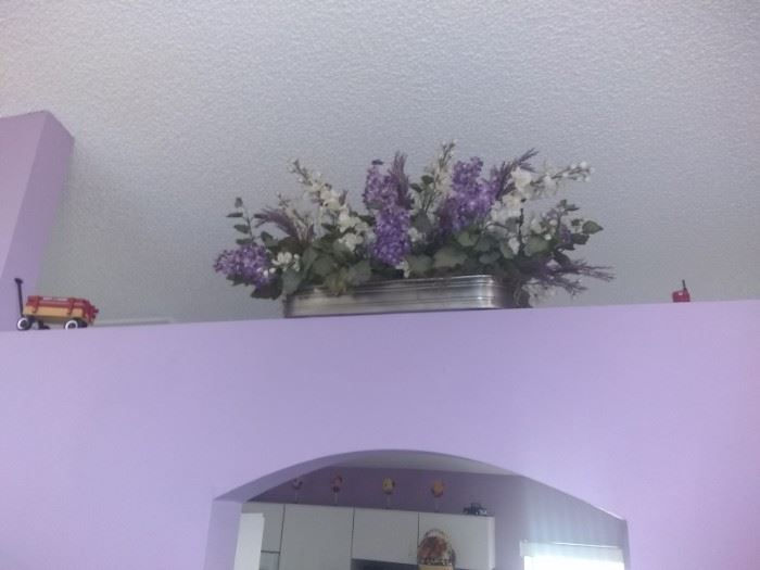 If you like Violet this house is for you. This decorative item only $20