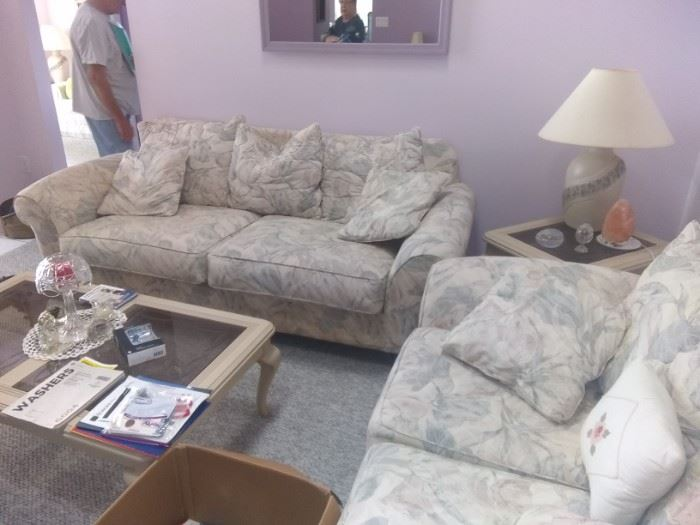 The set only $175 or $225 with the matching tables