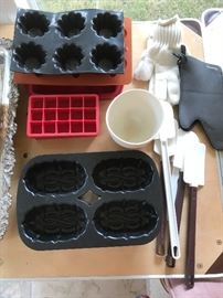 Bakeware, Silicone Bakeware, Oven and Grill Gloves, New Spatulas