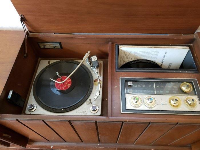 Working vintage Zenith console
