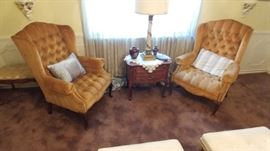 Thomasville ocassional table queen ann chairs