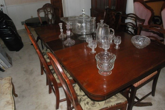 Nice Duncan Phyfe Table / Nice Chairs
