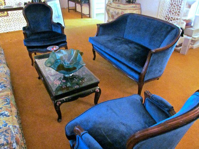 LOVESEAT SIDE CHAIRS, COFFEE TABLE LARGE MID CENTURY HAND BLOWN 'HANDKERCHIEF VASE'