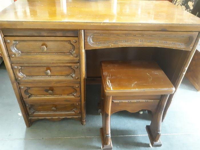 Vintage US Furniture Frame Co Desk