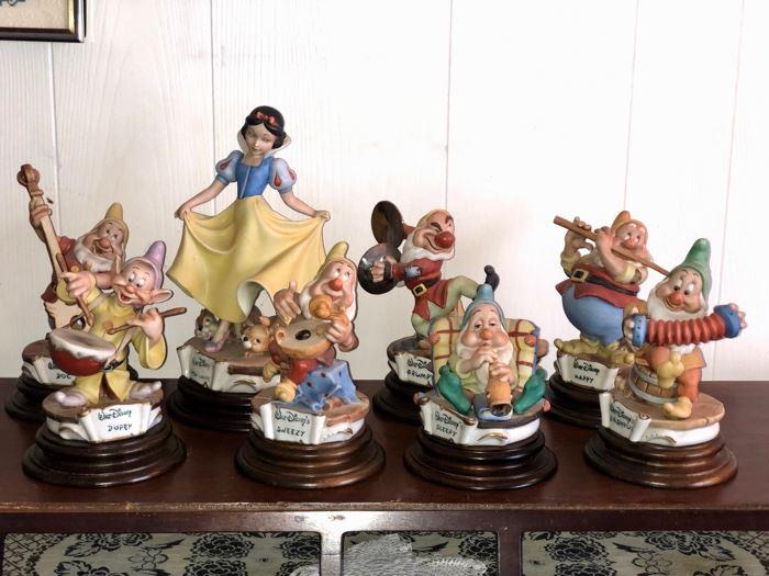 Full set Capodimonte Snow White & The Seven Dwarves porcelain figures