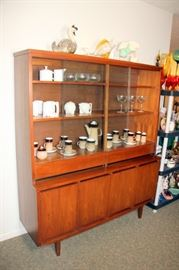 Stanley MCM China Cabinet, Selection of MCM Porcelain & Glass