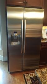 Refrigerator; stainless steel, side by side with ice maker