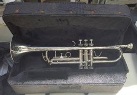 WMP010 Mendini Cecilio Trumpet, Mouthpiece & Case