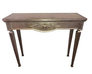Italian style consul with Silver leaf finish. Beautiful decorative floral design and the front with accent carving.