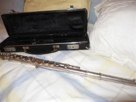 ARMSTRONG SOLID SILVER FLUTE