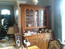 RL TREHARN, YOUNGSTOWN, OH FURN. CRAFTER, TIGER MAPLE, BEAUTIFUL