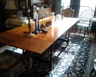 RL TREHARN, YOUNGSTOWN OHIO FURN. CRAFTER. TIGER MAPLE, BEAUTIFUL dr table and chairs/cabinet!