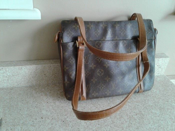 Louis Vuitton vintage purse. htf