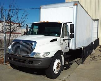 2005 International 4300 Truck With Anthony Battery Powered Lift Gate, VIN # 1HTMMAAL65H100037, 298,215 Miles On Odometer