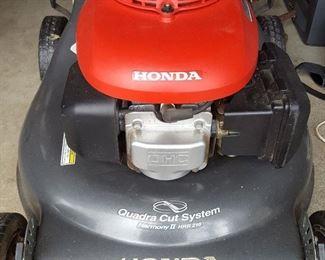 Honda Harmony II lawn mower