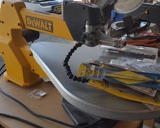 DeWalt scroll saw