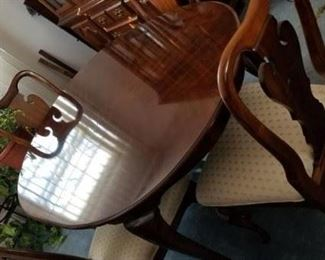 Dining Table and Chairs              https://ctbids.com/#!/description/share/120669