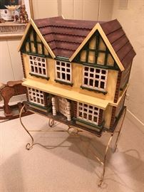 Dollhouse with metal stand