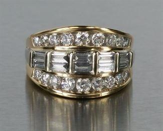 Gorgeous Diamond Ring in 14k Yellow Gold