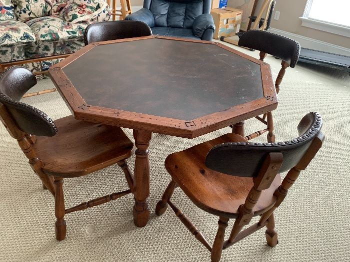 Link-Taylor game table with 4 chairs
