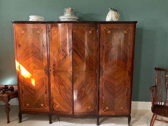 Beautiful 4 door mahogany wardrobe...