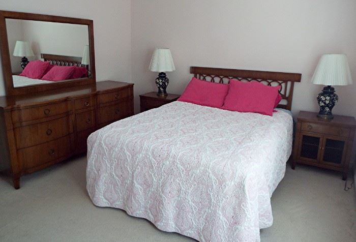 NATIONAL OF MT. AIRY BEDROOM SET