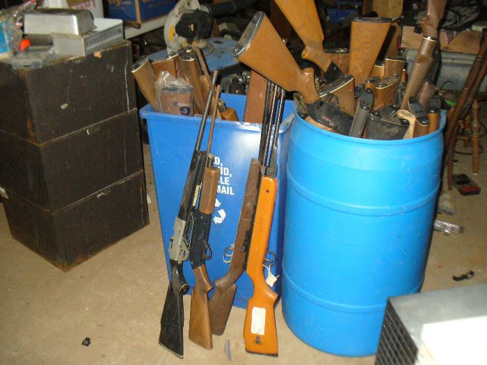 Big lot of vintage Air rifles BB  & pellet rifles. Mix & match buy them by the dozen!!