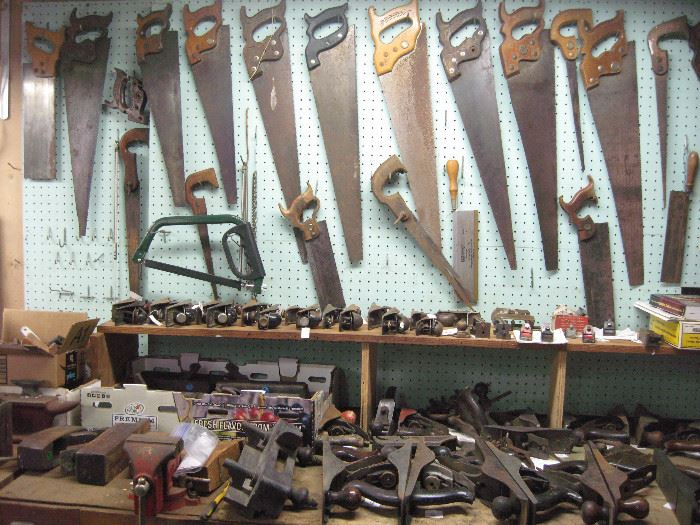 75 wood planes, mostly Stanley, wood, transitional and metal.