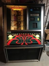 Rowe Mmcd-3 Commercial 100 Cd Jukebox great working condition!