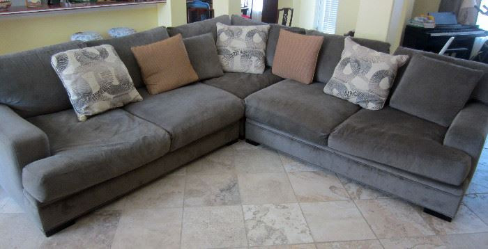 Neutral tone sectional