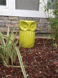 Indoor/outdoor Owl Ornament/ table