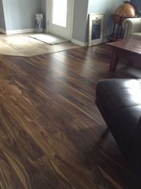 Beautiful Laminate Flooring. Enough to do approx a 10 X 10 area.