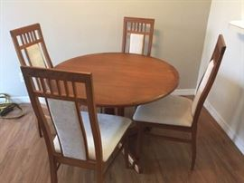 Dining Table and Four Chairs https://ctbids.com/#!/description/share/119777
