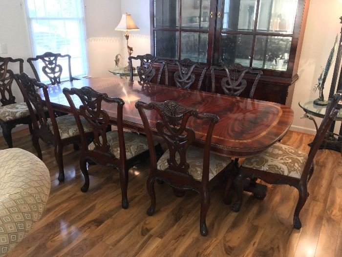Henredon Dining Table w/Ten Chairs. Flamed Mahogany & Satinwood Inlaid