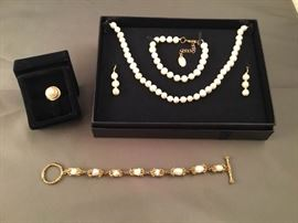 Stauer 14K Luna Pearl Ring, Pearl Bracelet, and Pearls Set