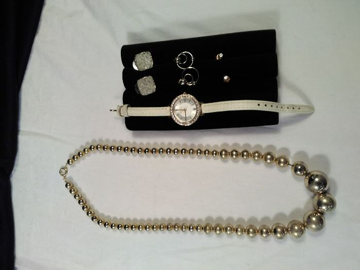 1 jeweled Relic wrist watch, three pairs of post earrings, one gold style retro necklace https://ctbids.com/#!/description/share/125108