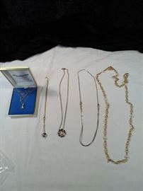lot of 5 pendant and chain style necklaces, one 14 karat and Freshwater Pearl Necklace https://ctbids.com/#!/description/share/125150