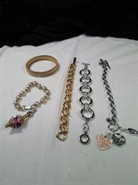 lot of 5 various bracelets including one antique Goldetta bracelet https://ctbids.com/#!/description/share/125151