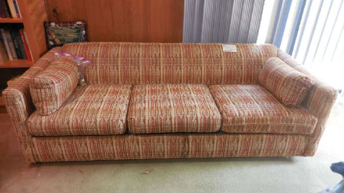 great looking queen size sleeper couch