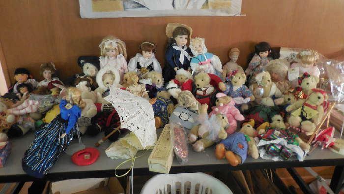 Madame Alexander, Vintage doll, Barbie, Boyd Bears, etc