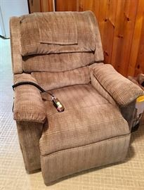 Lift Chair $350 retails for $1100 IMG 4178