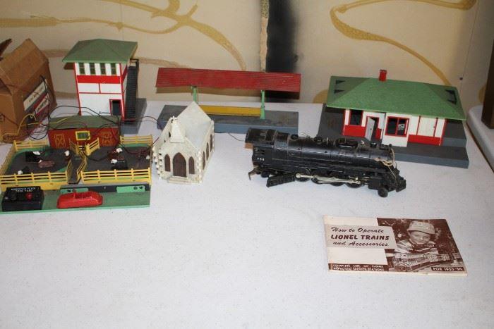 Lionel Train Set and accessories