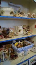 stuffed animals, décor, pottery