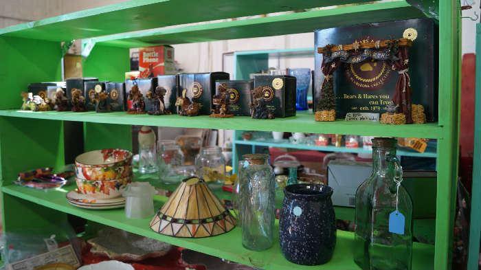 Boyd Bears, dishes, decor
