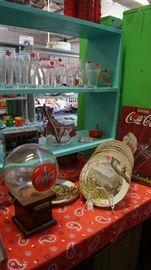Coke, decorative plates