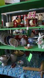 plates, pottery, décor, Fitz and Floyd Bunny pitcher