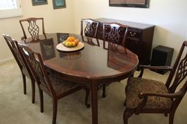 Drexel Heritage Dining Room Set Immaculately Maintained like new with Custom Pads and Upholstered Chairs
