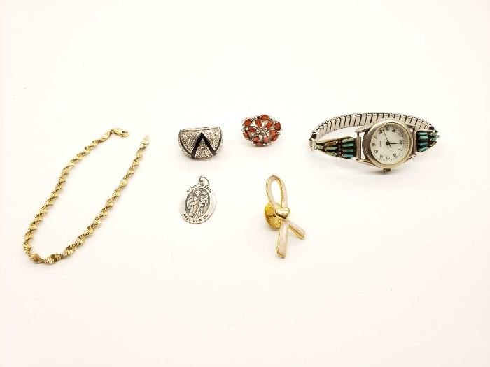 # 91 5.7g .925 Bracelet And Pendant With Costume Jewelry 5.7g .925 Bracelet And Pendant With Costume Jewelry